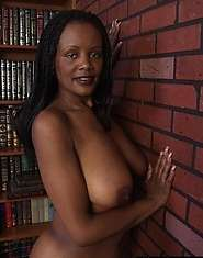 Black MILF great titties big dildo likes to play with you