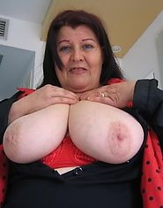 Big titted Maria is obe horny mature slut who loves to play with herself