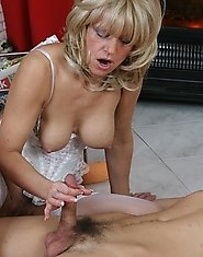This mature mama gets a cock to ride on