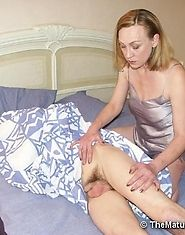 Eager mature slut banging hard with a fellow