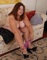 Big mature Shy loves playing alone